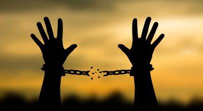 chaines-brisées-libre