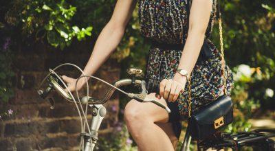 femme-vélo-ancien